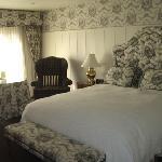 Wayside Inn Photo