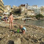 Am Strand von Xlendi