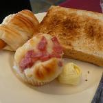 bread rolls & toast