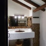 la salle de bain avec WC indépendants