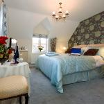Preseli kingsize double or twin ensuite guest room