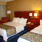 Courtyard by Marriott Bakersfield - double room (2 beds)