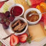Petit déjeuner avec produits régionaux