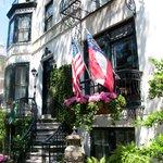 Spring Facade | Ballastone Inn | Savannah GA