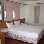 Triple room bed