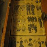 アンティーク家具の中にはなんと大昔の新聞が