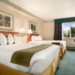 Portland Ramada Hotel Room