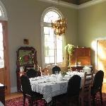 Very spacious dinning room