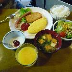 朝食は和食、洋食を個人別で選択