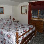 The Loft bedroom with queen bed
