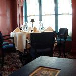Le continental dining room