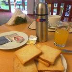 Chargeable non-buffet breakfast contrary to website