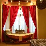 Corporate Suite (Bathtub)