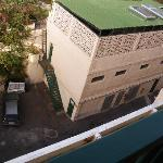 El edificio ruidoso desde mi terraza