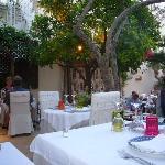Das Restaurant ist eine Oase mitten in der Altstadt
