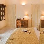 Pearl Guestroom 2