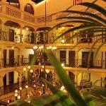 Offener Innenhof des Hotels