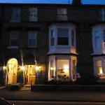 the guesthouse at night