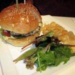 Canele Cheese Burger