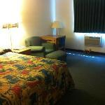 Queen Size Bed 1 Room