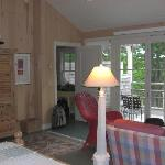 Upstairs Cottage king room 2