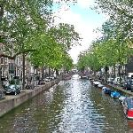 Leidsegracht, Amsterdam where I rented a large studio apartment at Anno 1685 on left side of thi