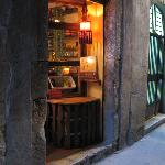 old, cosy, vegetarian, restaurant, teahouse, history, moroccan, spanish