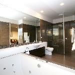 Chocolate Suite Bathroom