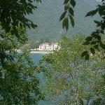 una villa vista dal lago