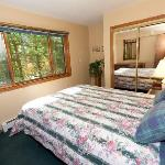Gretnas: One of two smaller bedrooms out of the 3 available in this cottage.