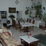 Large Breakfast Room-Living Room