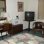 Desk, micro, TV