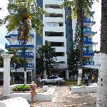 Fachada hotel, Parque de la Barracuda