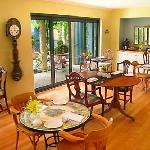 Guest Dining - Gourmet Breakfast included in all rates