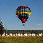 catch a ride in a balloon while in the 1000 Islands