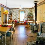 Salle à manger rustique et conviviale