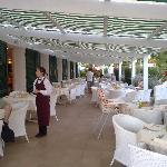 Il ristorante in terrazza, con Giulia