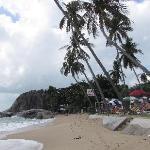 la plage face au resort