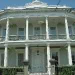 one of the many beautiful houses in the Garden District
