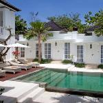 Boutique Hotel within walking distance to the beach, fun and famous places to eat , shop and exp