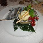 tortino gelato al mascarpone immerso in capuccino freddo