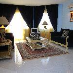 Rafkos suite living room-huge!