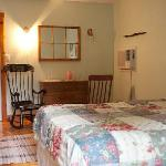 Coach House Green Room queen and queen pull out | shared kitchenette