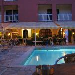 Photo de Hotel Oasis Corfu
