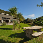 Piha Beachstay all day sunshine