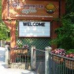 Gatlinburger Grill welcome sign