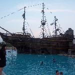 LBV - Ship in pool