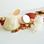 Another playful masterpiece: Vanilla, rhubarb and champagne.