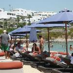 psarou beach club