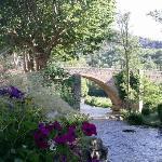 Le pont à l'entrée d'Alet
